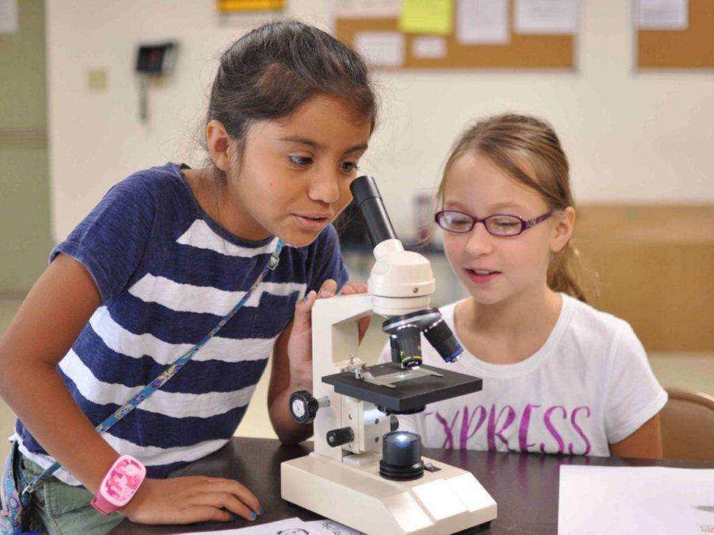 Jak wzbudzić u dziewczyny pasję do nauki? Kilka naszych pomysłów.